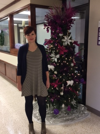 jessica-by-christmas-tree