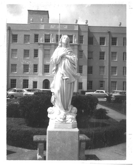 Photo - Front of St. Mary with close up of statue 1950 (003)